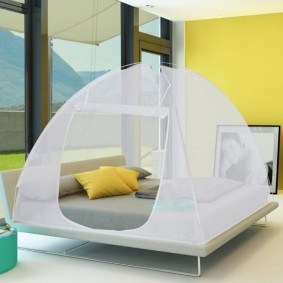 Moustiquaire dôme pop-up grandes dimensions 195x180 cm mobile pour lit